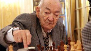 Viktor-Korchnoi-3-Zurich-2015-77714_561x316