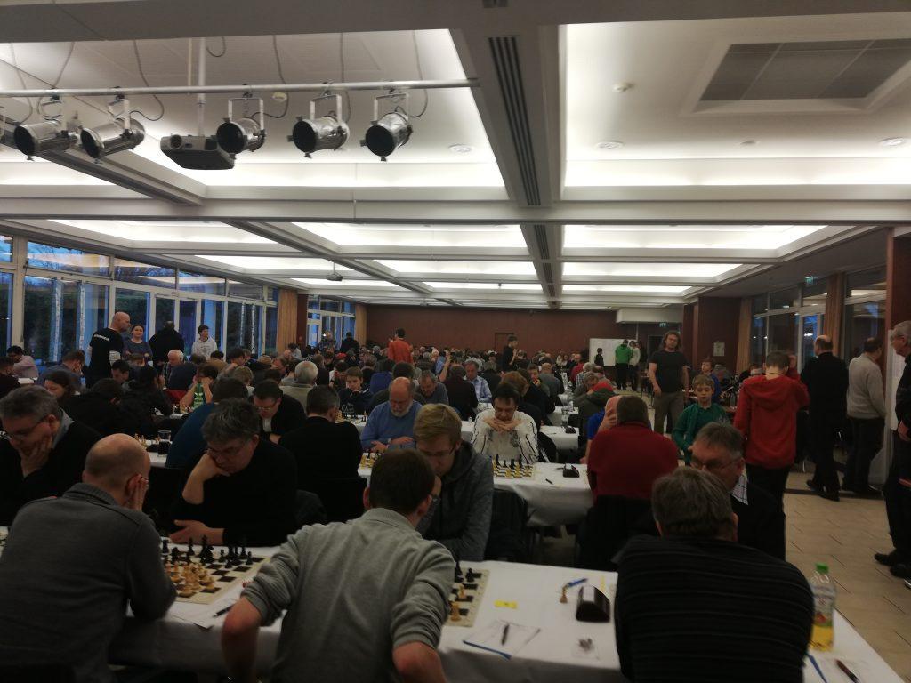 350+ spillere i et lokale